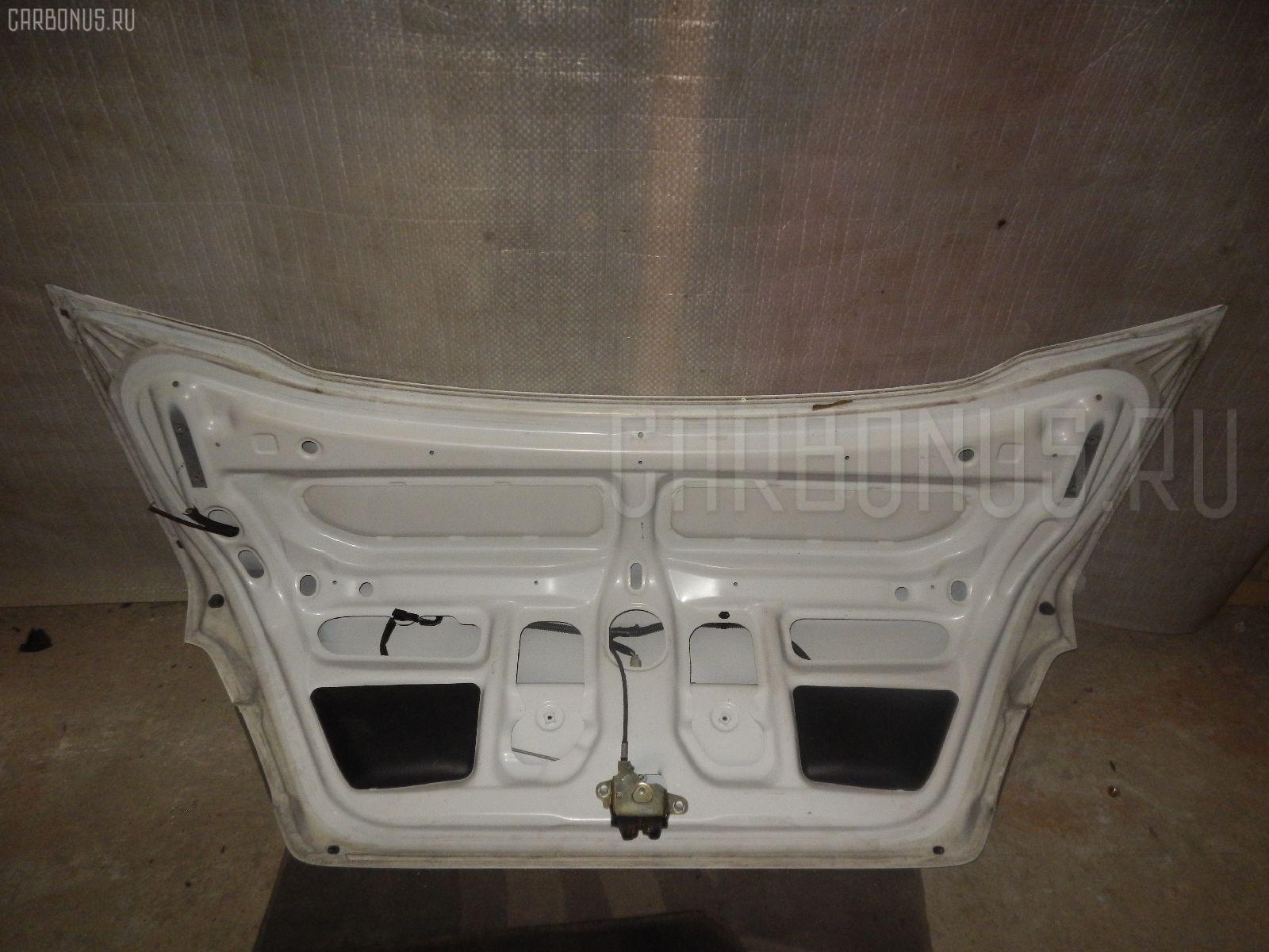 Крышка багажника TOYOTA SPRINTER AE110 Фото 3