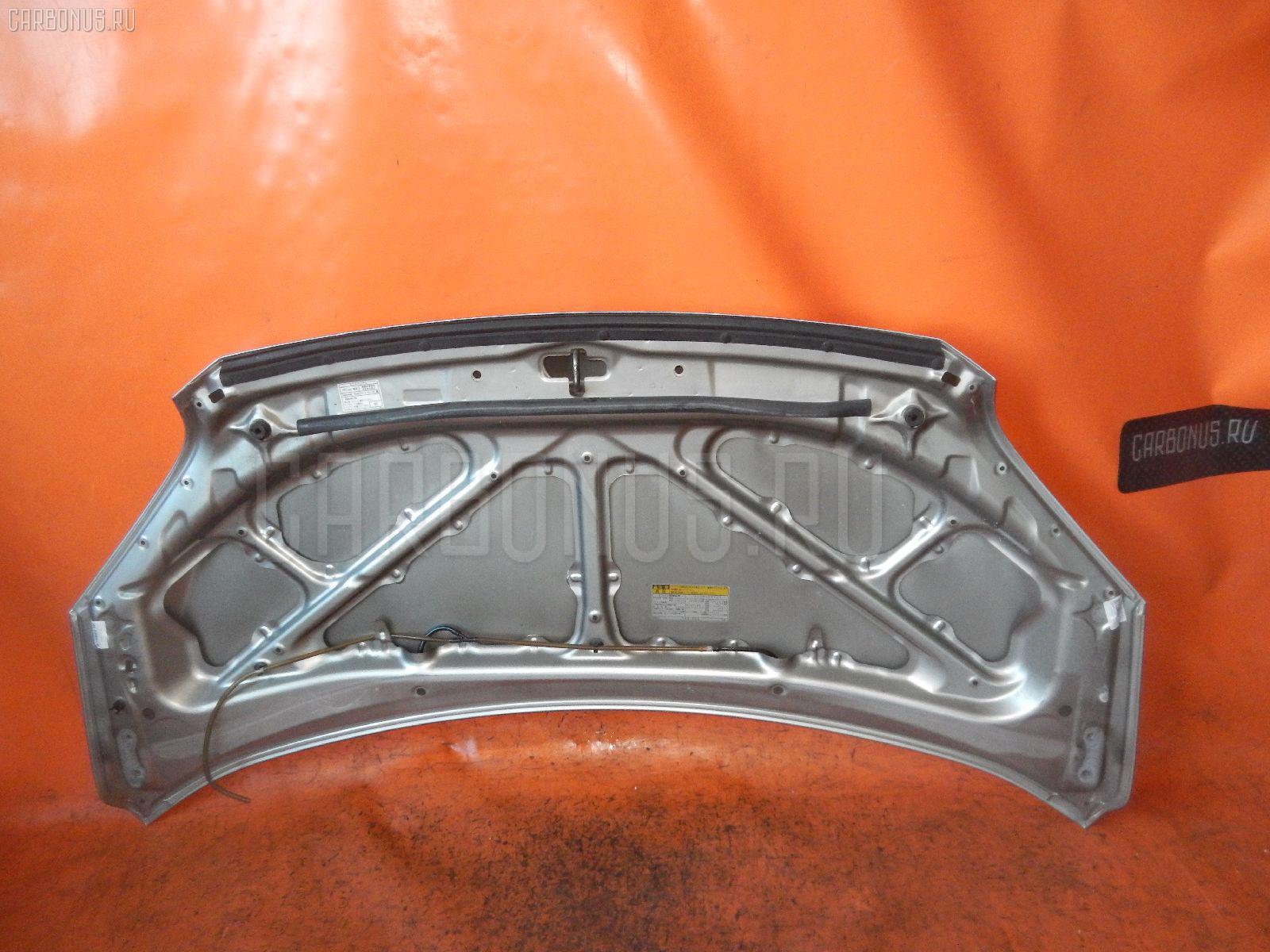 Капот Toyota Voxy AZR60 Фото 1