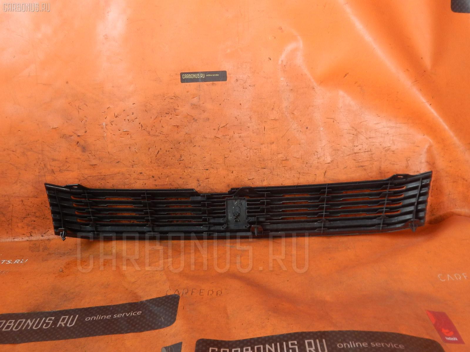 Решетка радиатора TOYOTA VOXY AZR60 Фото 2