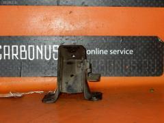 Крепление подушки ДВС Mazda Bongo SKF2M RF-T Фото 2