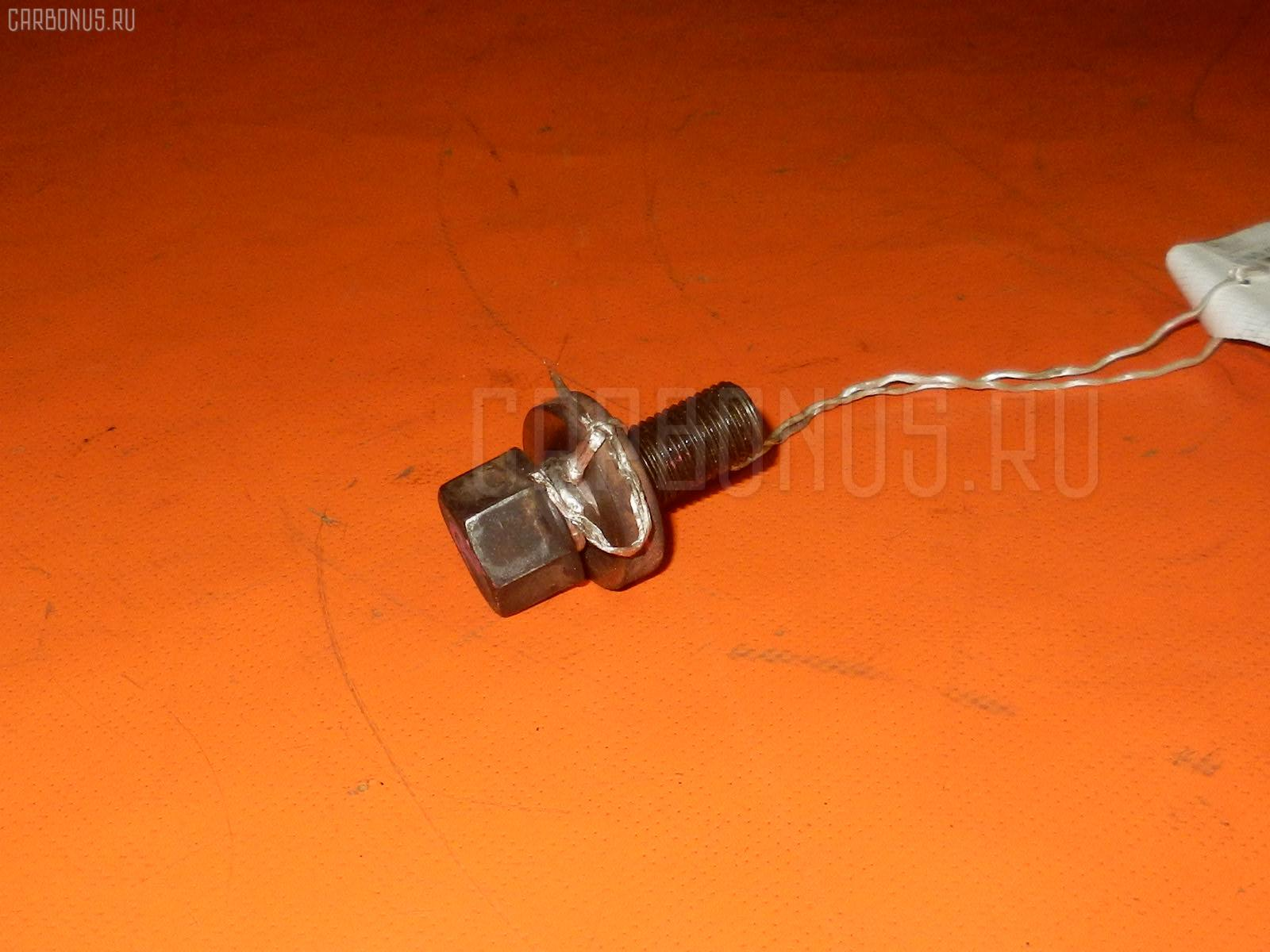 Болт крепежный шкива Mazda Bongo SKF2M RF-T Фото 1