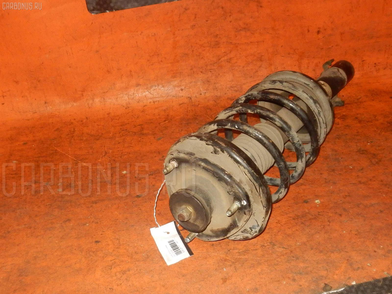 Стойка амортизатора HONDA STEPWGN RF2 B20B Фото 1