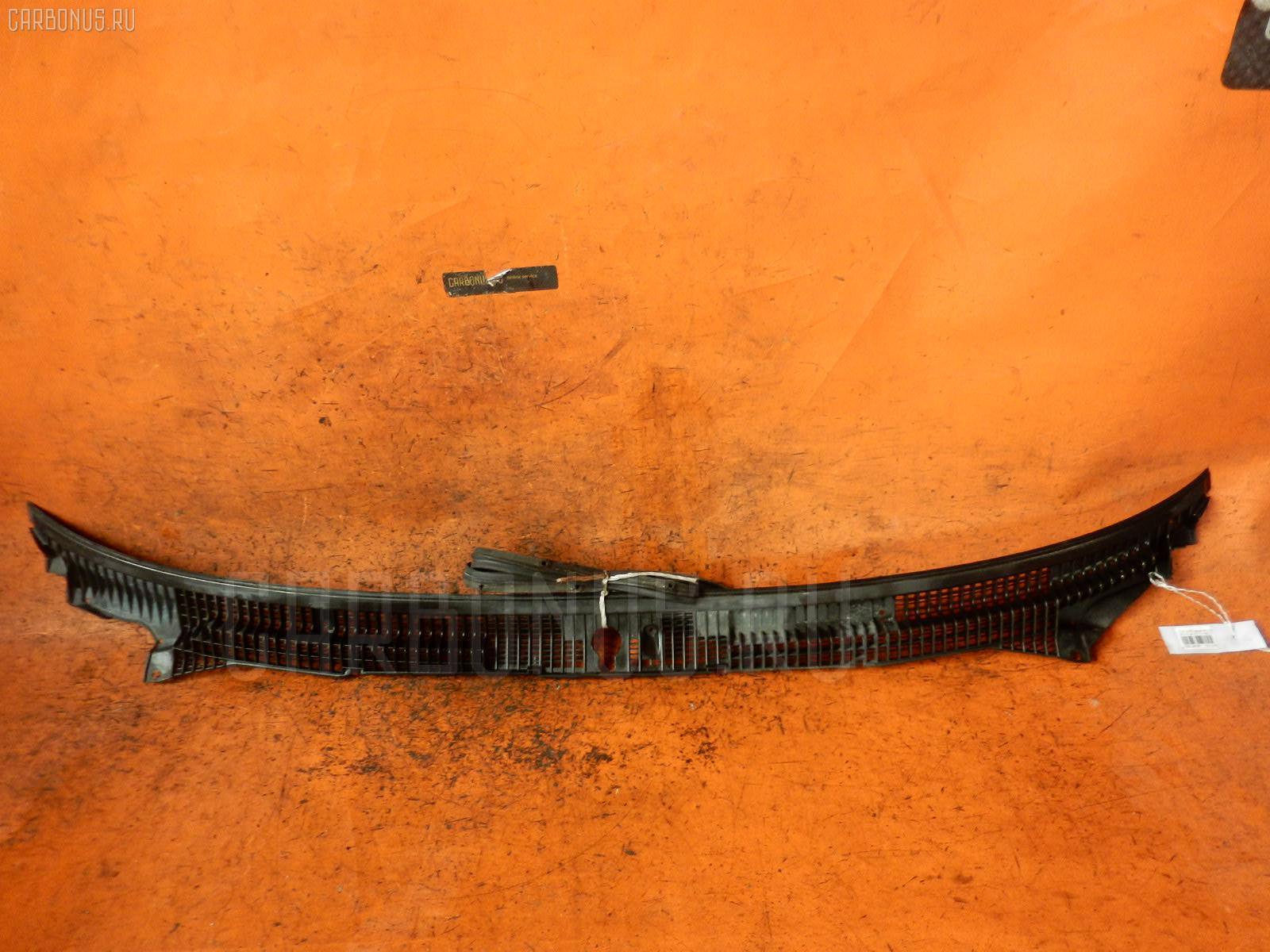 Решетка под лобовое стекло TOYOTA CARINA AT170. Фото 1