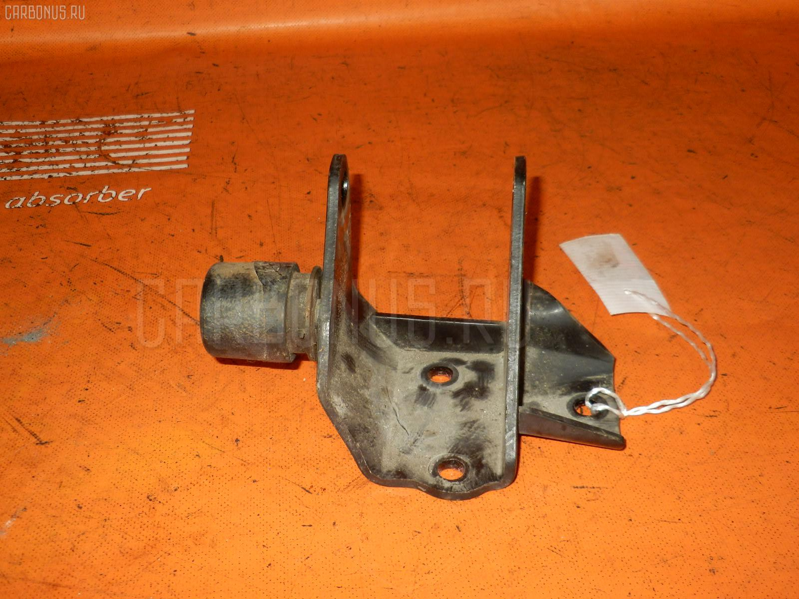 Крепление подушки ДВС TOYOTA GAIA SXM15G 3S-FE Фото 2