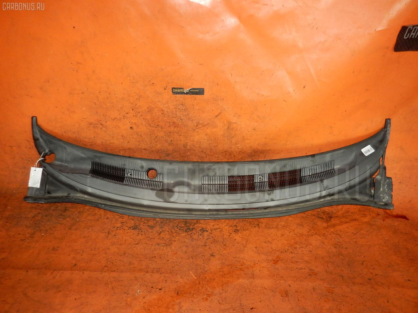 Решетка под лобовое стекло TOYOTA COROLLA SPACIO AE111N. Фото 6