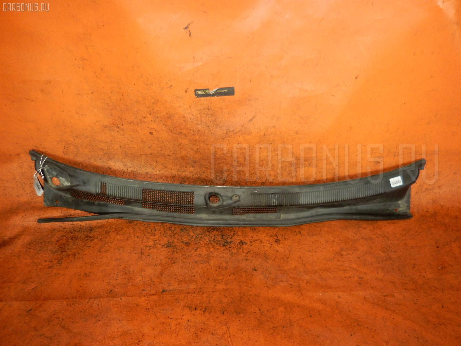 Решетка под лобовое стекло Nissan Avenir W11 Фото 1
