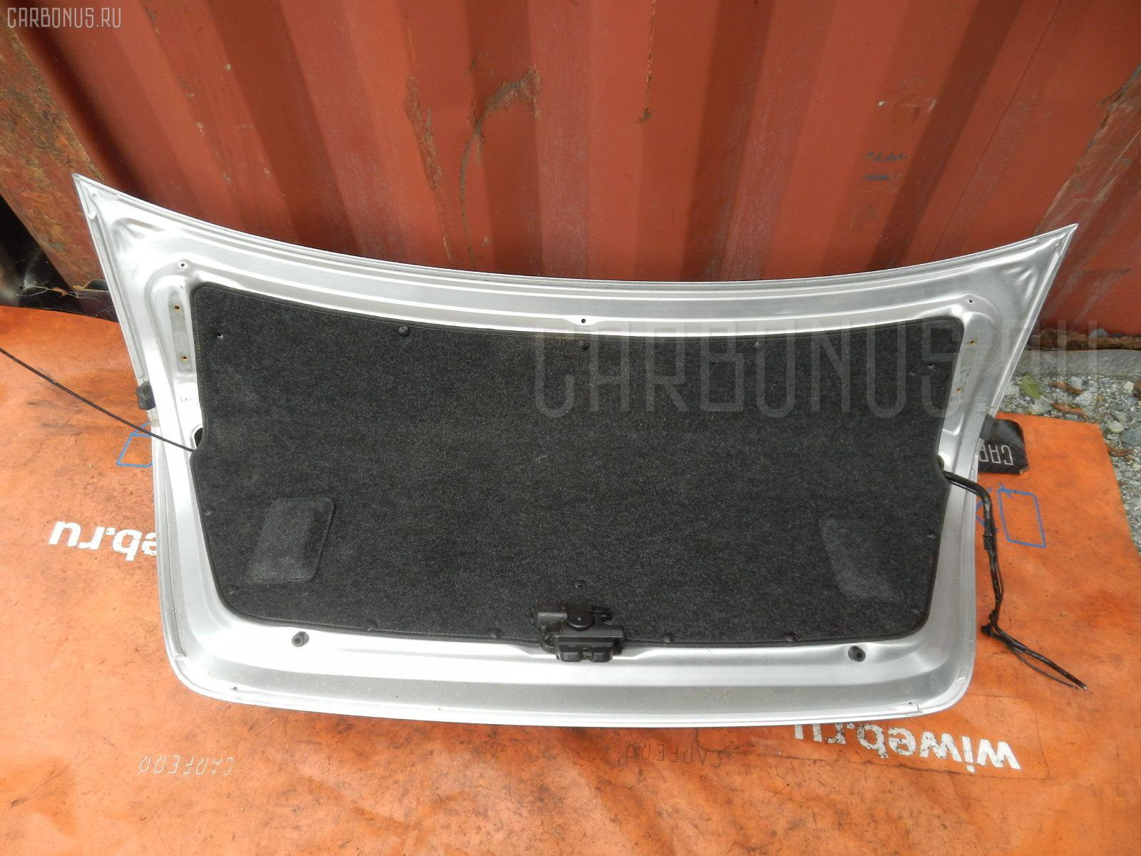 Крышка багажника TOYOTA PREMIO ZZT240 Фото 3