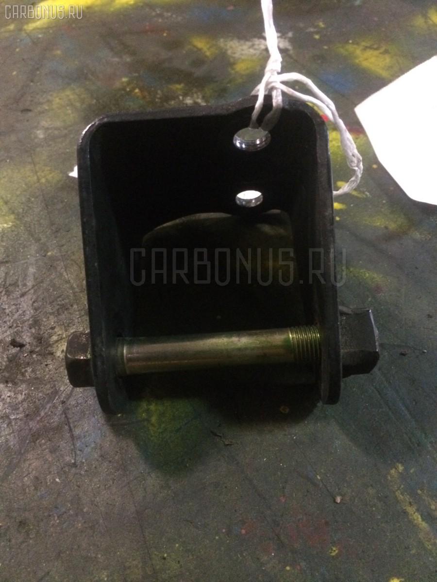 Крепление подушки ДВС Toyota Caldina ST195G 3S-FE Фото 1