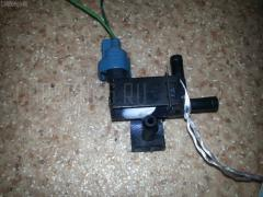 Клапан-вакуумник Toyota Vista ardeo SV50G 3S-FSE Фото 1