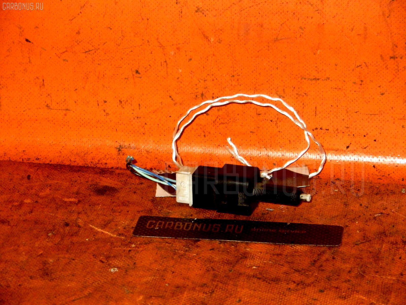 Выключатель концевой NISSAN MARCH BK12 CR14DE Фото 1