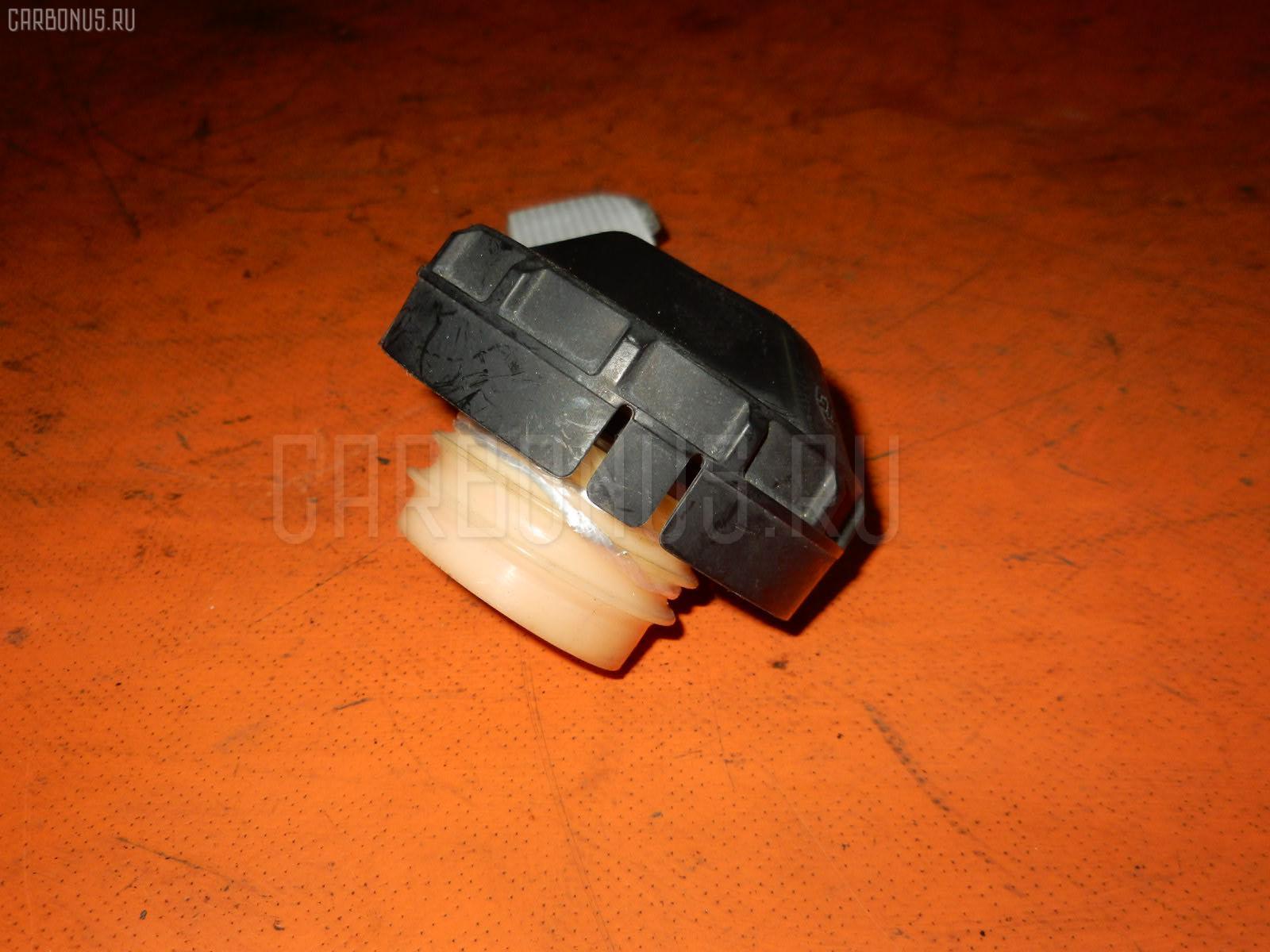 Крышка топливного бака HONDA STREAM RN1 Фото 1