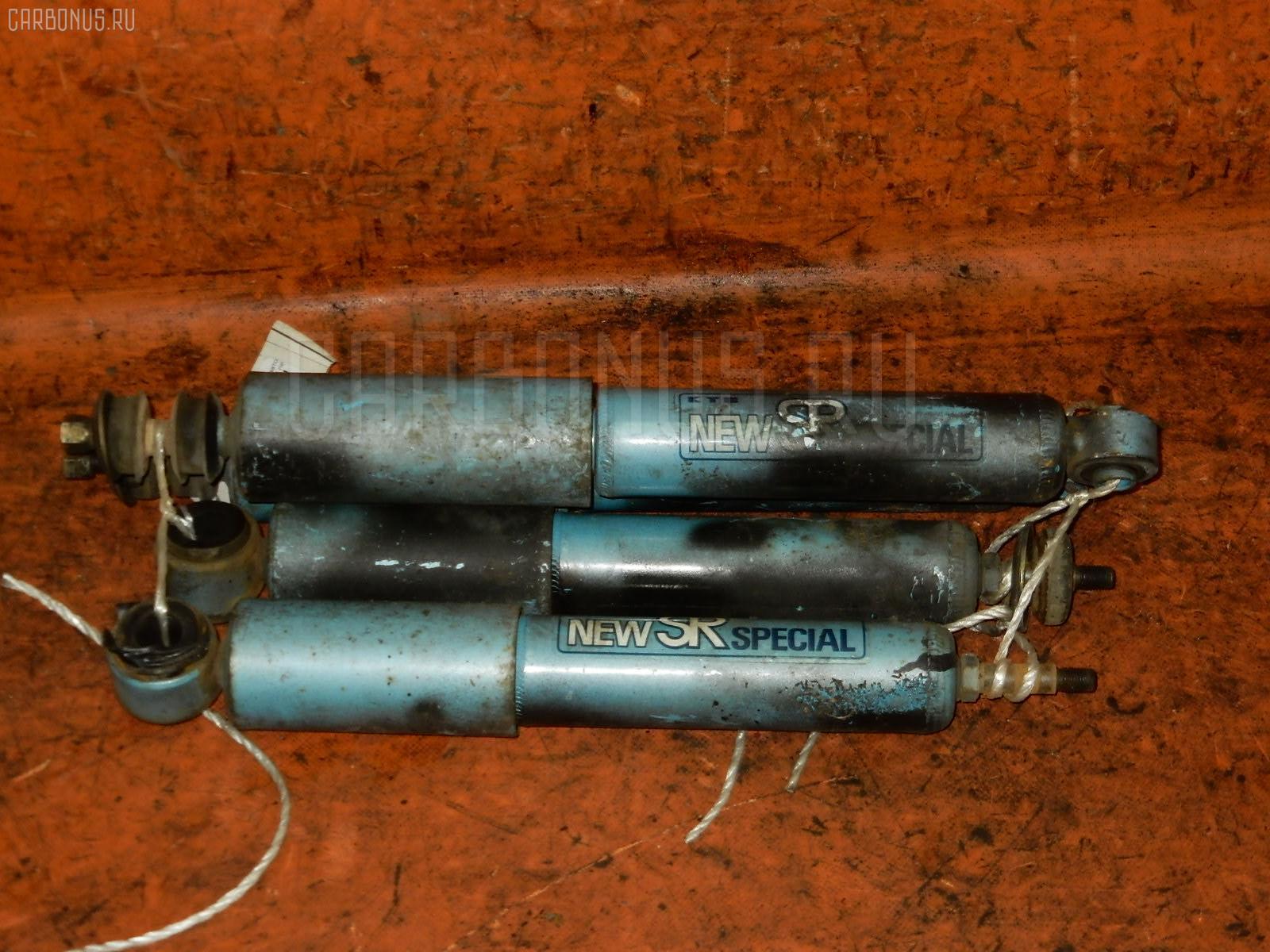 Амортизатор TOYOTA GRAND HIACE VCH10W. Фото 5