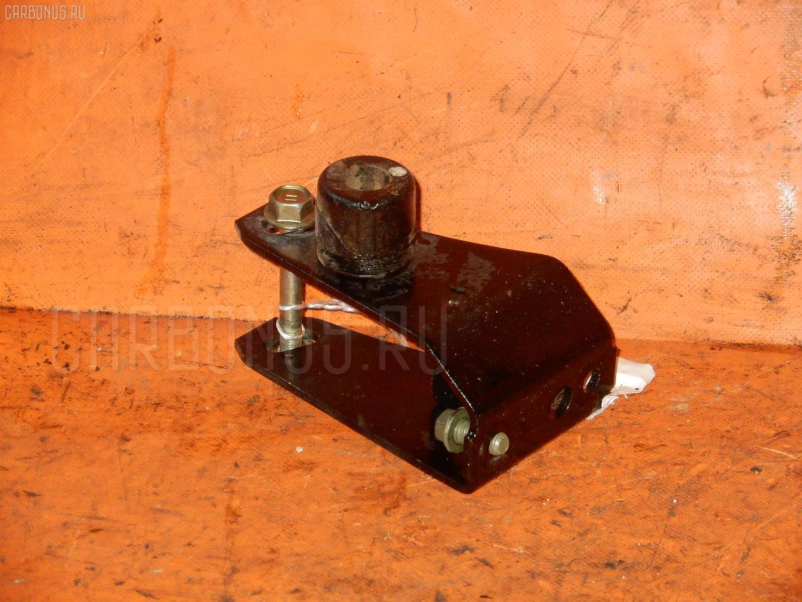 Крепление подушки ДВС TOYOTA CALDINA AT211G 7A-FE. Фото 4