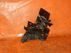Подставка под аккумулятор Toyota Ractis SCP100 Фото 2