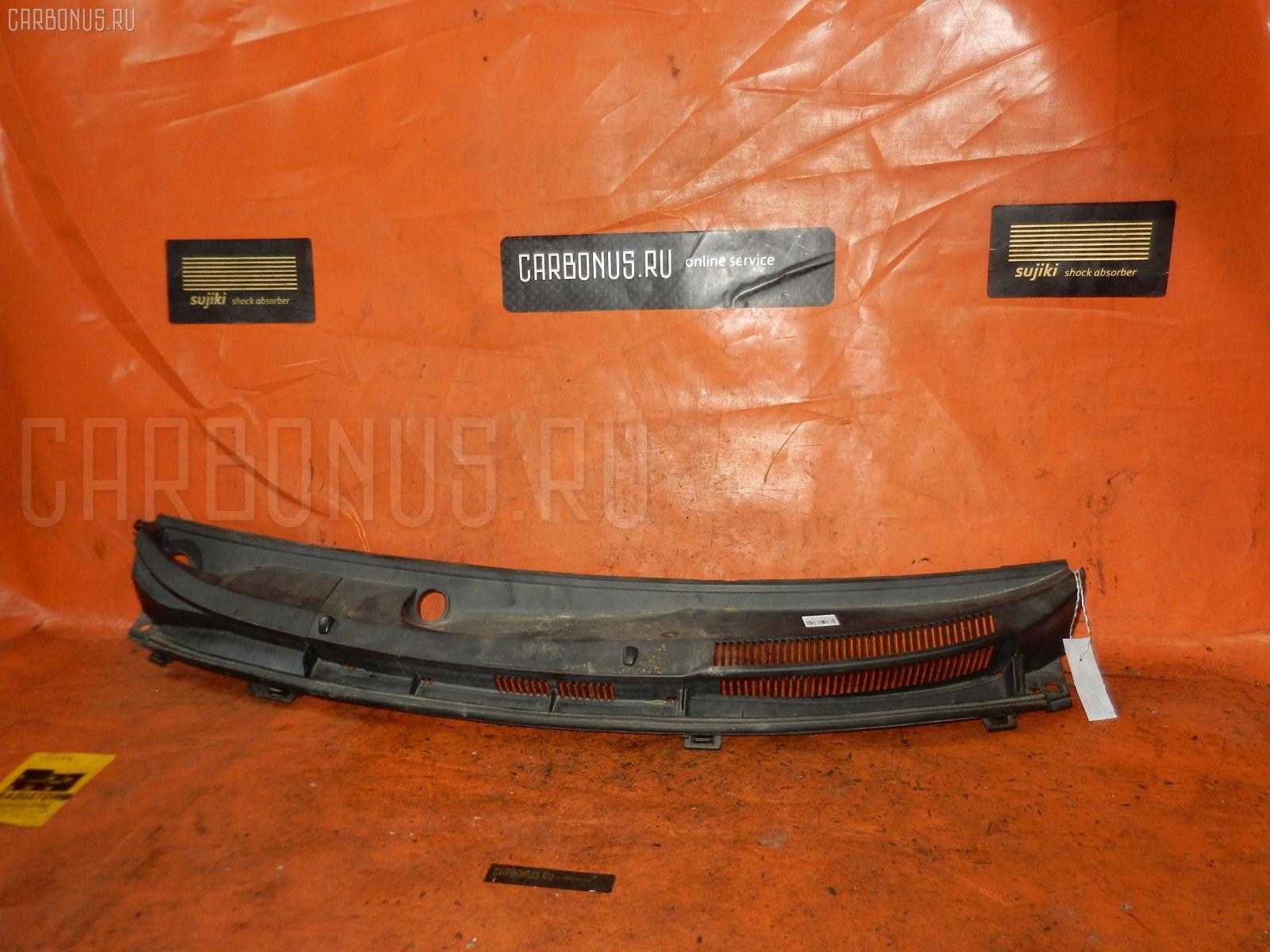 Решетка под лобовое стекло Toyota Ractis SCP100 Фото 1