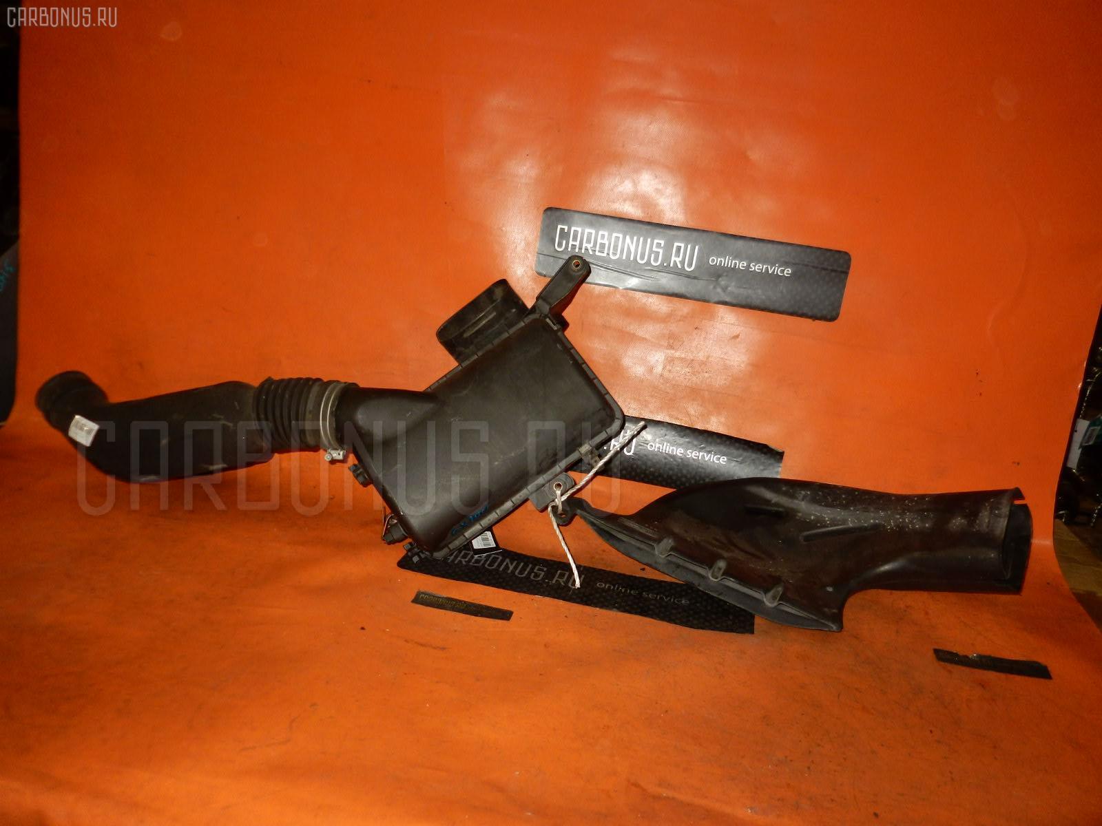Корпус воздушного фильтра TOYOTA MARK II GX100 1G-FE. Фото 7