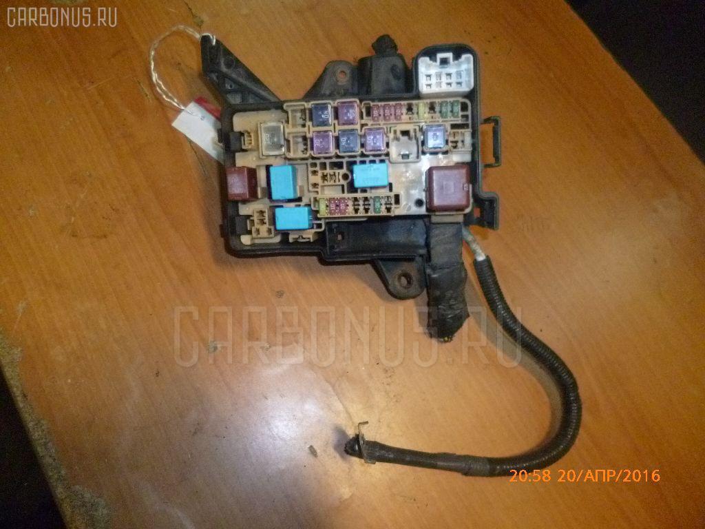 Блок предохранителей TOYOTA ISIS ZNM10G 1ZZ-FE Фото 2