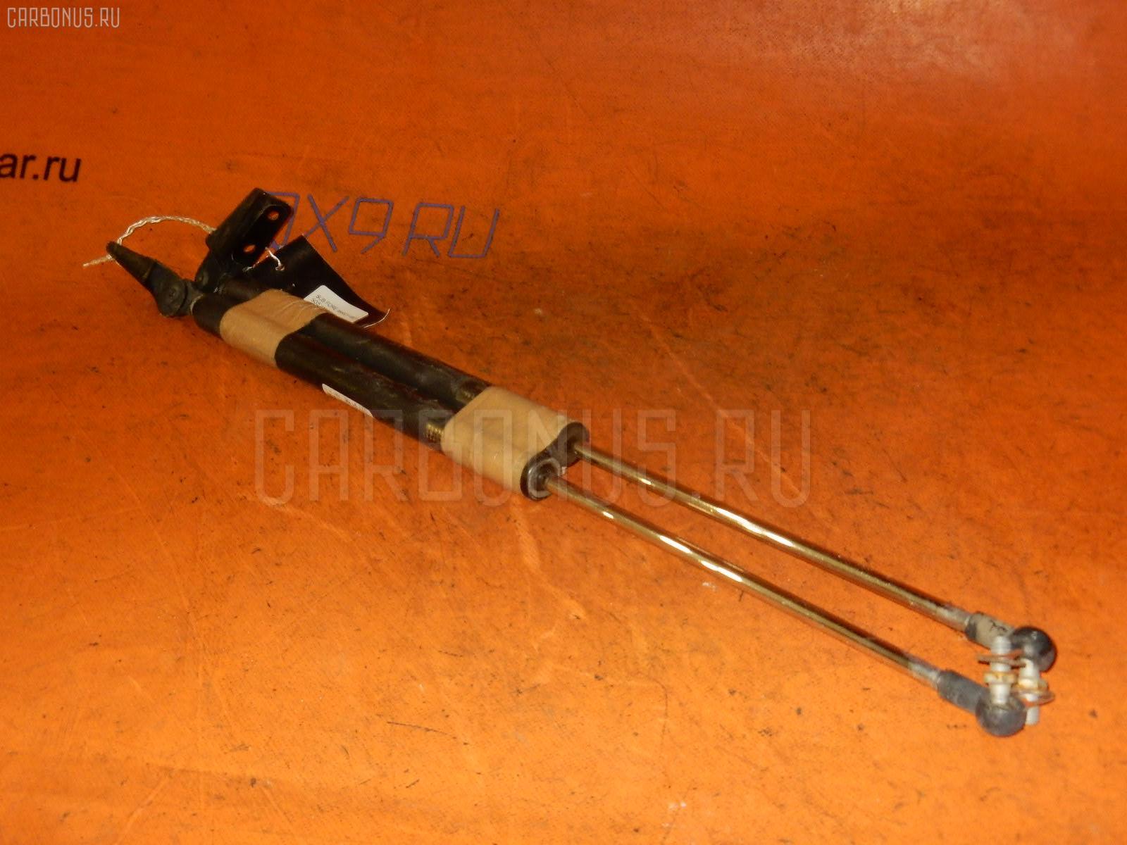 Амортизатор двери SUBARU FORESTER SG5 Фото 1