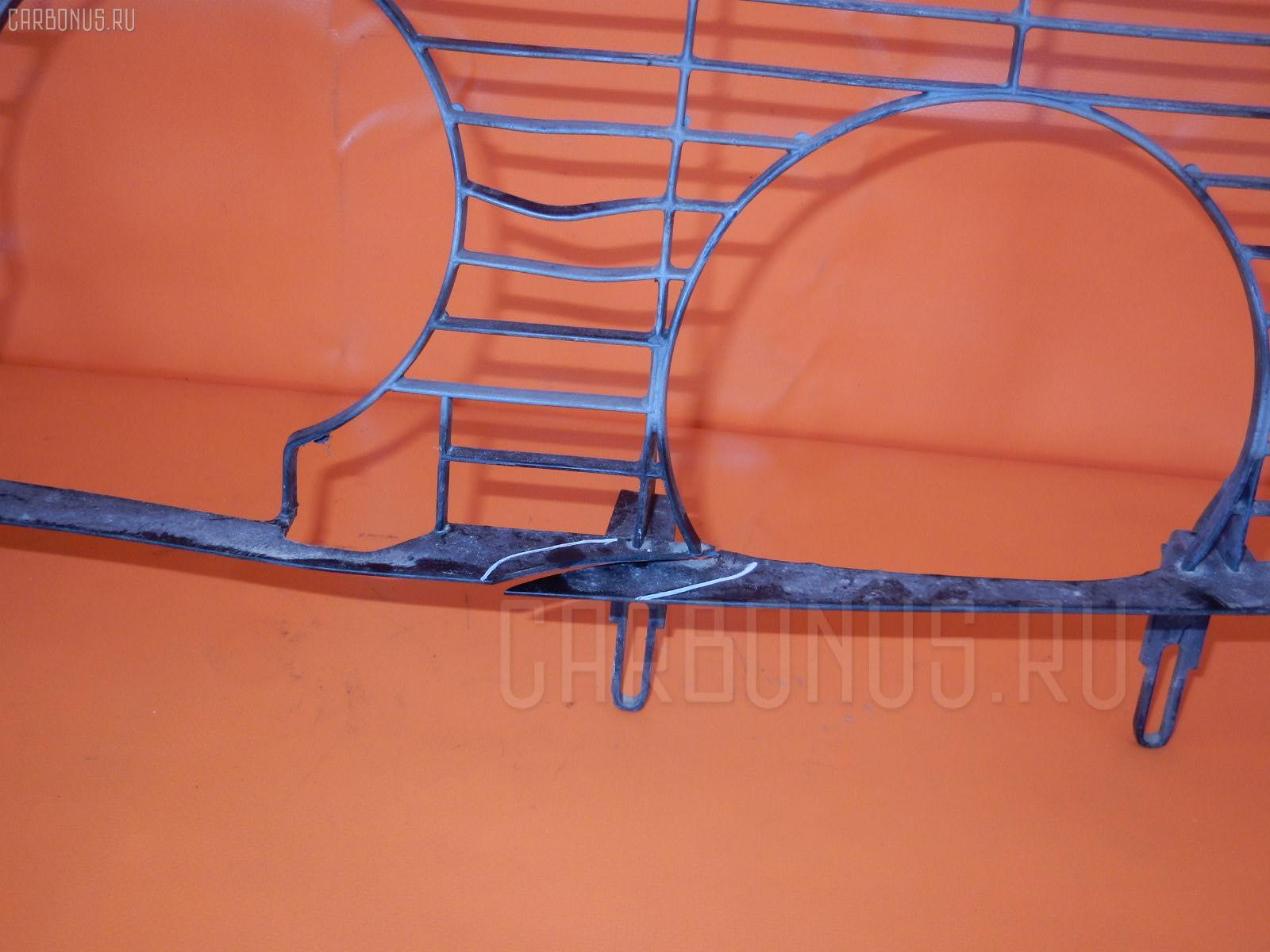 Решетка радиатора MERCEDES-BENZ E-CLASS W210.065 Фото 1