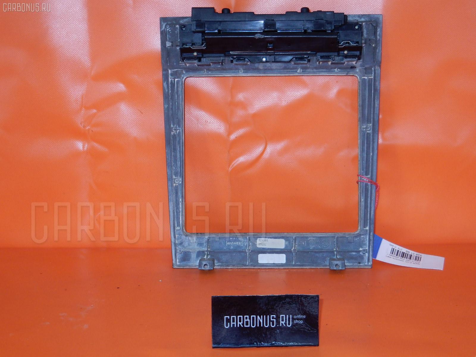 Консоль магнитофона MERCEDES-BENZ E-CLASS W210.065 Фото 1