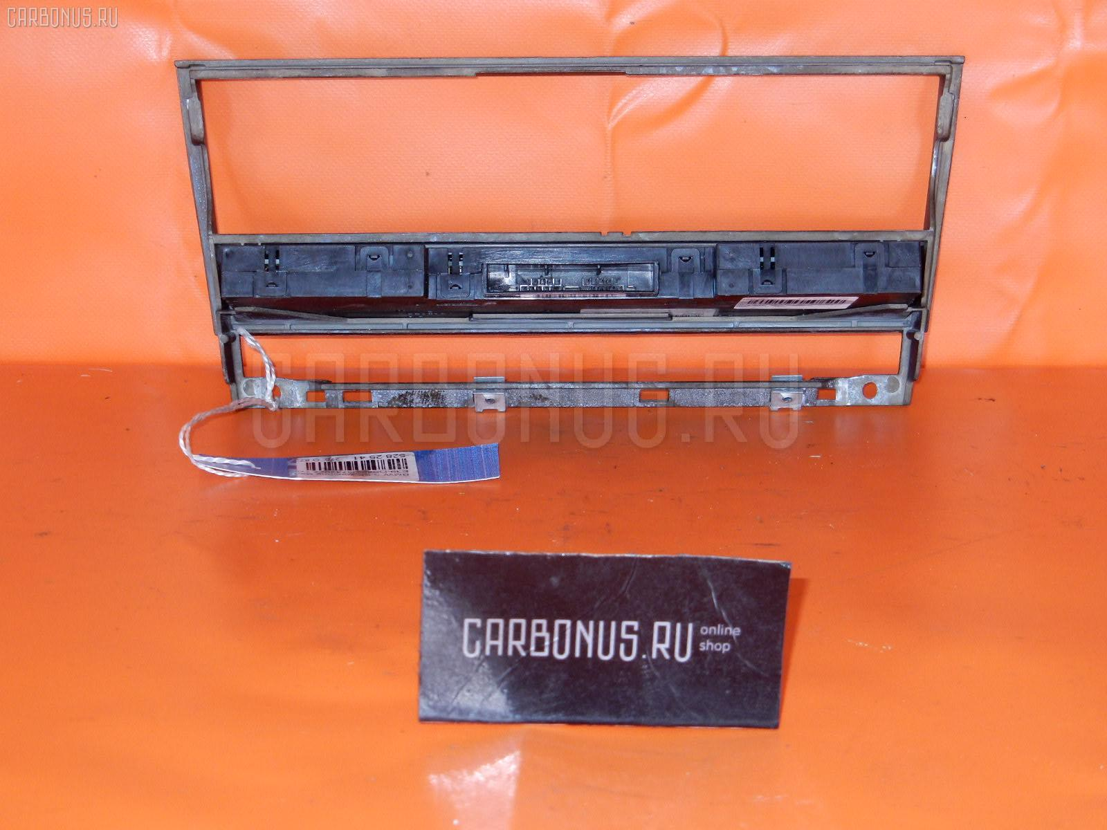 Консоль магнитофона BMW 5-SERIES E39-DS42 Фото 1
