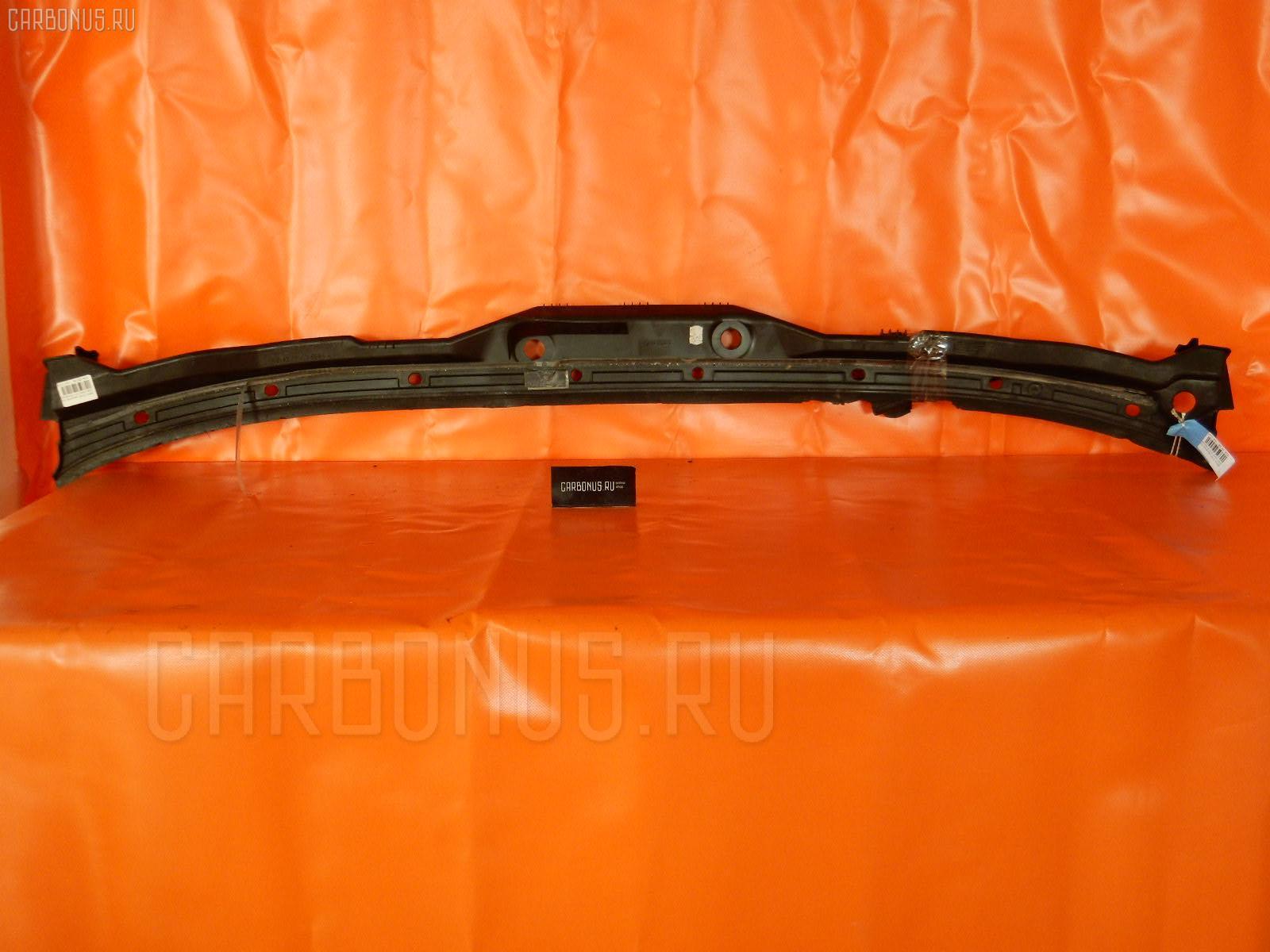 Решетка под лобовое стекло BMW 5-SERIES E39-DS42 Фото 1