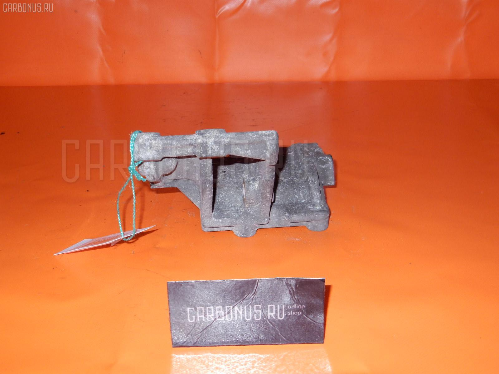 Крепление компрессора кондиционера MITSUBISHI MINICAB U61V 3G83 Фото 3
