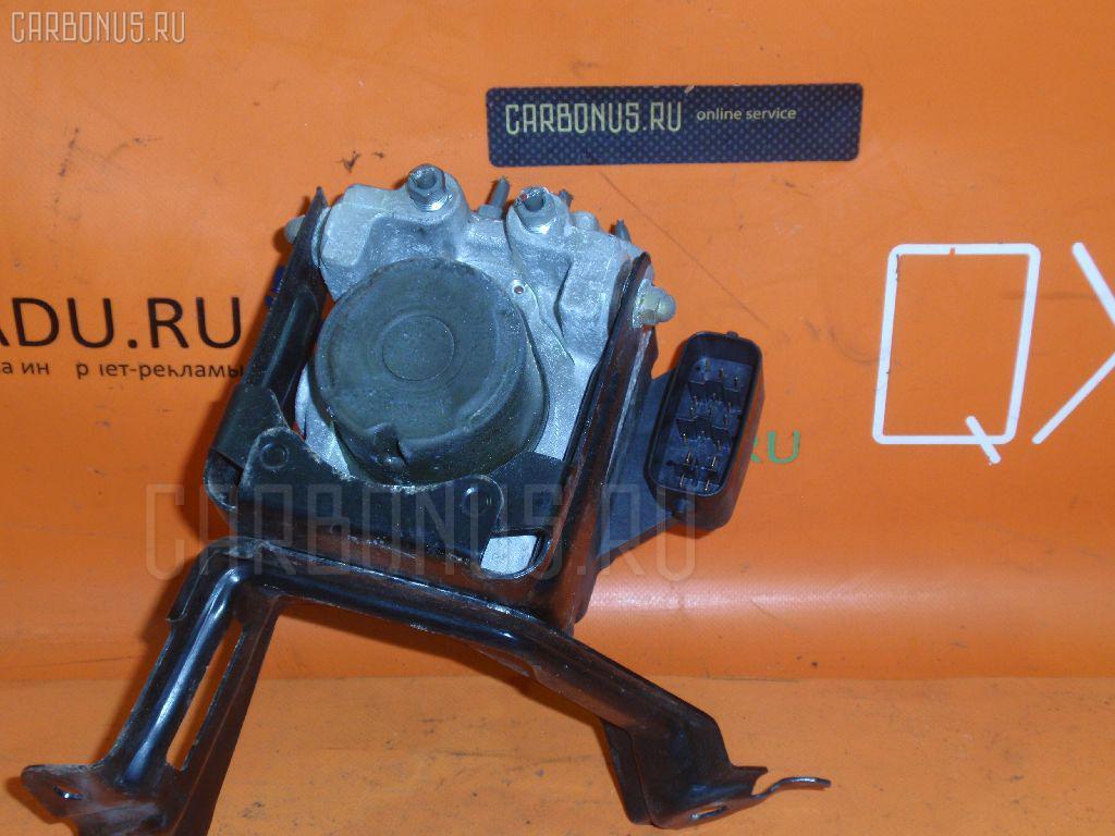 Блок ABS на Toyota Camry ACV30 2AZ-FE Фото 1