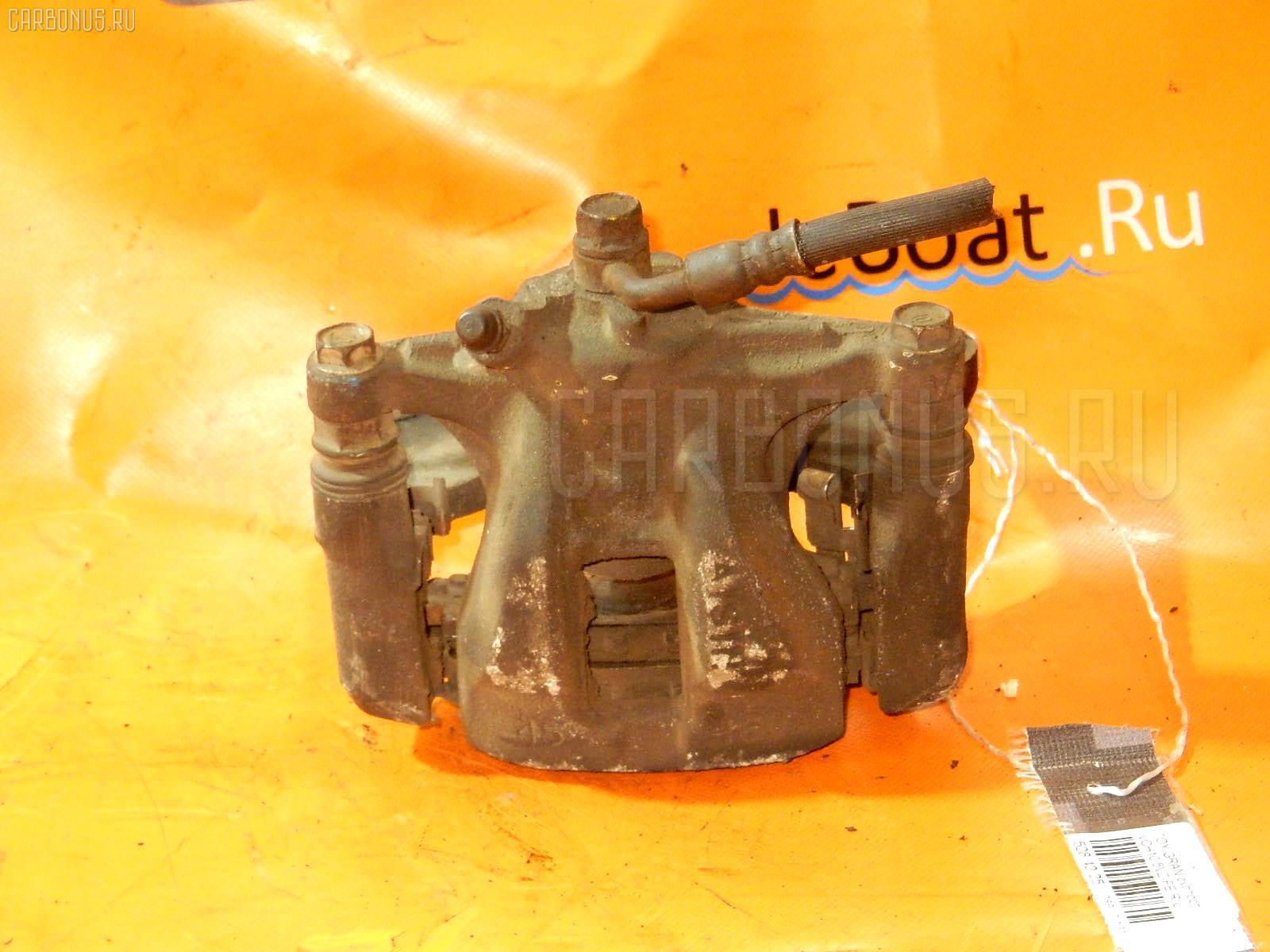 Суппорт TOYOTA GRAND HIACE VCH10 5VZ-FE Фото 1