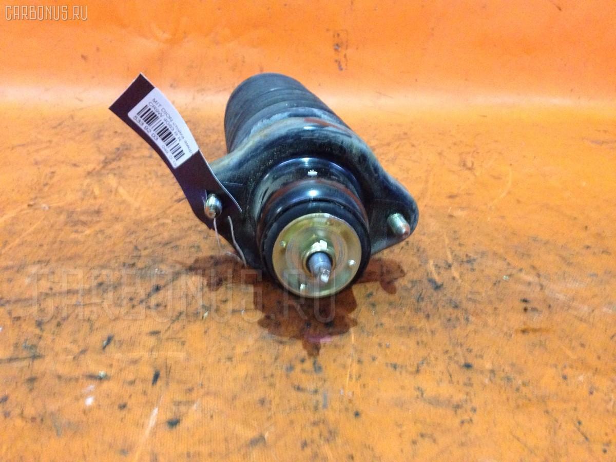 Стойка амортизатора MR491956, MR491946, MR554273 на Mitsubishi Dion CR9W 4G63 Фото 1