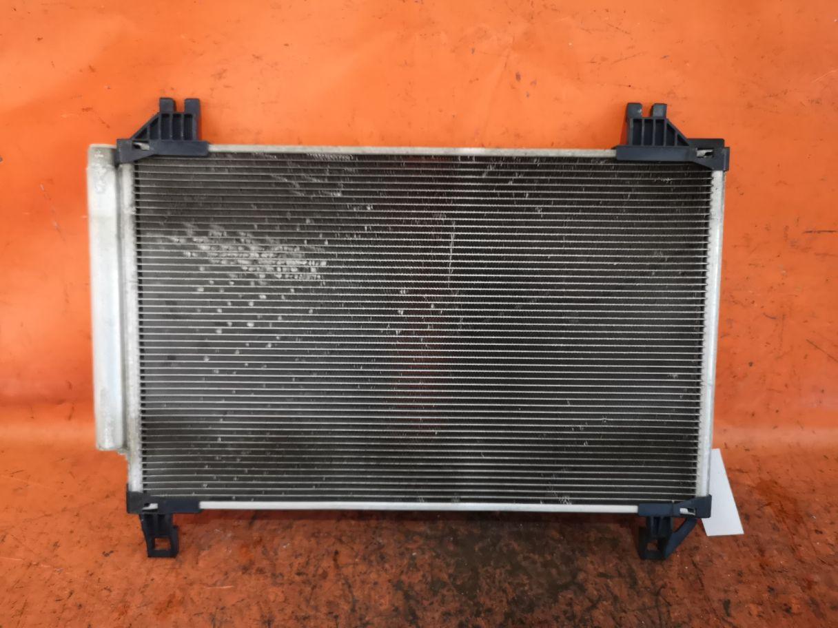 Радиатор кондиционера на Toyota Ractis NCP105 1NZ-FE Фото 1