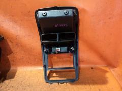 Консоль магнитофона на Toyota Ipsum SXM10G Фото 2