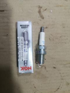 Свеча зажигания NGK 00010892