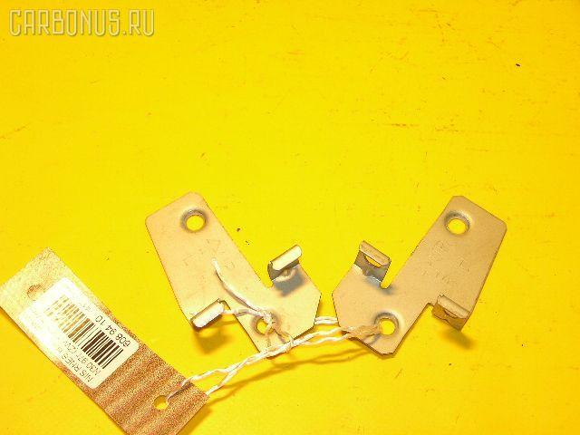 Крепление магнитофона NISSAN RNESSA N30. Фото 2