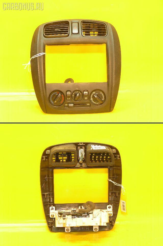 Консоль магнитофона Mazda Familia s-wagon BJ5W Фото 1
