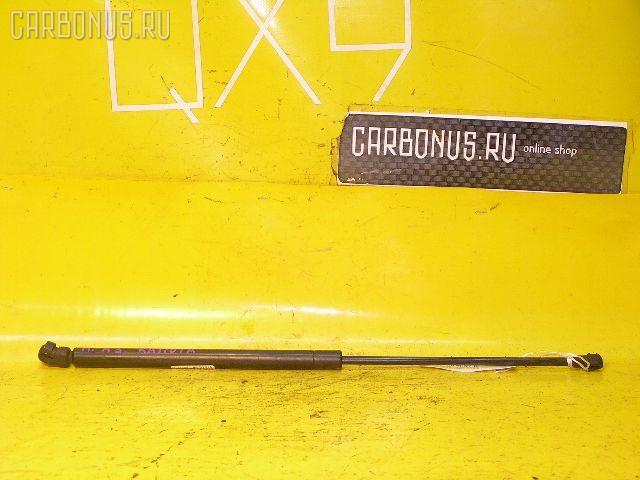 Амортизатор капота AUDI A3 8LAGN. Фото 2