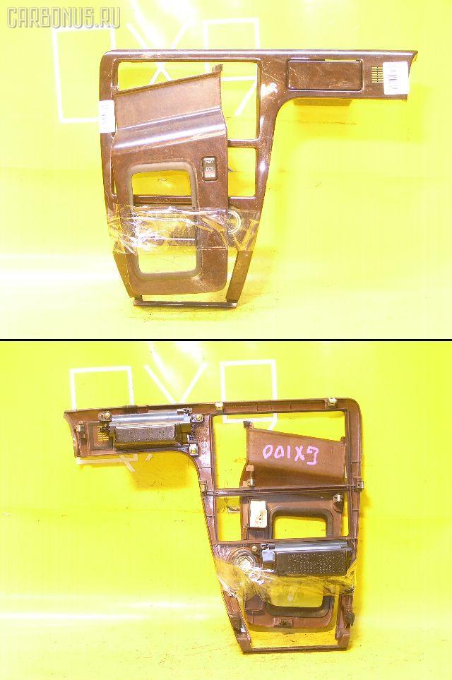 Консоль магнитофона TOYOTA CRESTA GX100. Фото 9