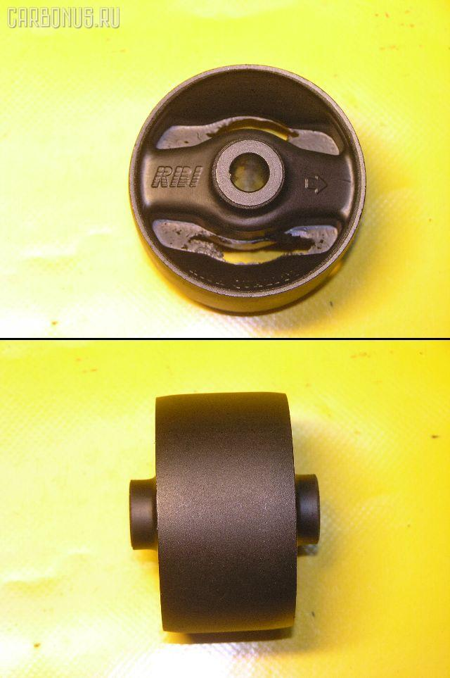 Подушка двигателя TOYOTA IPSUM SXM10 3S-FE. Фото 6