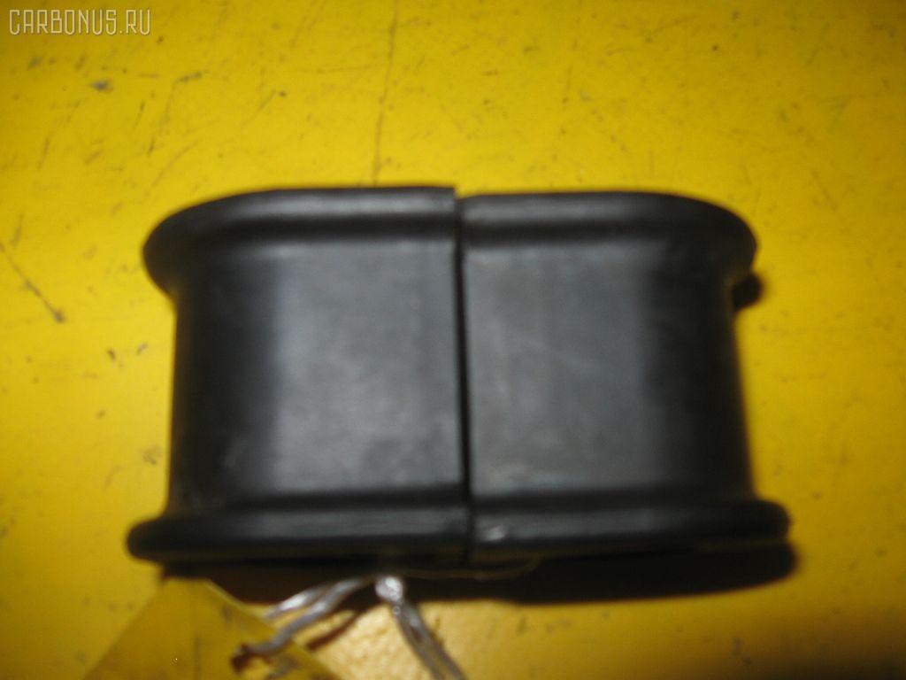 Втулка стабилизатора TOYOTA CAMRY ACV30. Фото 1