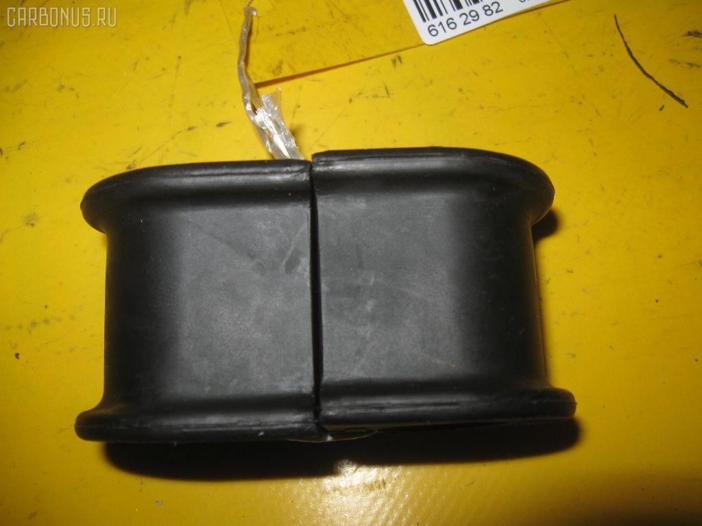 Втулка стабилизатора TOYOTA CAMRY ACV30. Фото 5