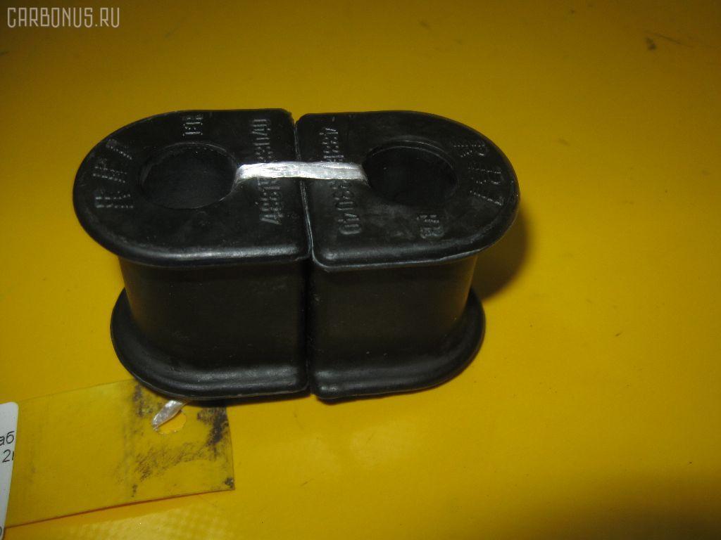 Втулка стабилизатора TOYOTA CAMRY GRACIA SXV20. Фото 4