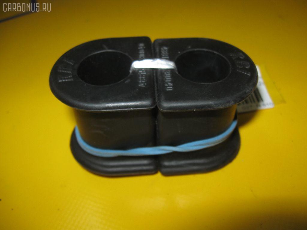 Втулка стабилизатора TOYOTA ST190. Фото 11