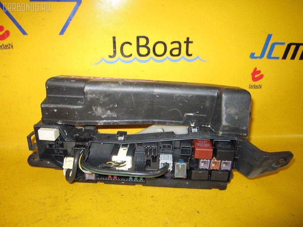 Блок предохранителей TOYOTA COROLLA NZE124 1NZ-FE. Фото 10