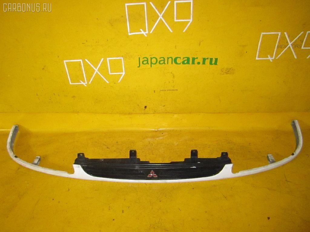 Решетка радиатора MITSUBISHI DELICA SPACE GEAR PD4W. Фото 2
