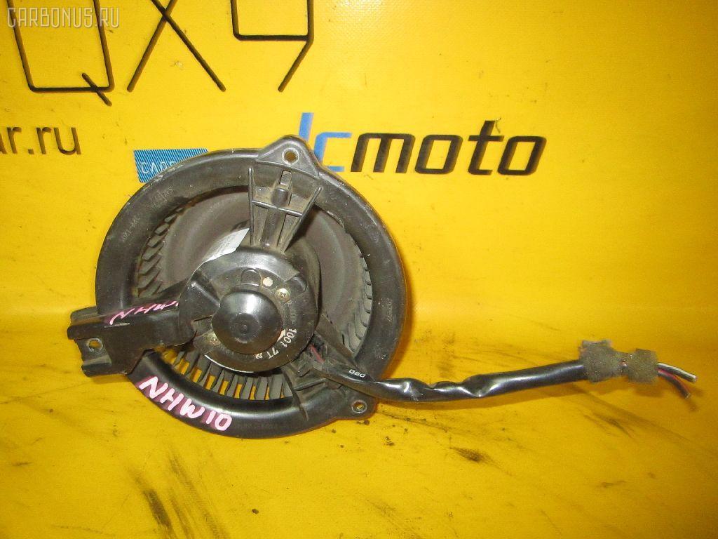 Мотор печки TOYOTA PRIUS NHW10. Фото 4