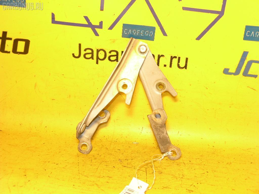 Крепление капота Mitsubishi Airtrek CU2W Фото 1