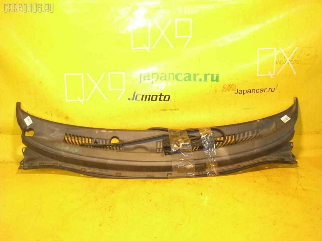 Решетка под лобовое стекло TOYOTA COROLLA SPACIO AE111N. Фото 10