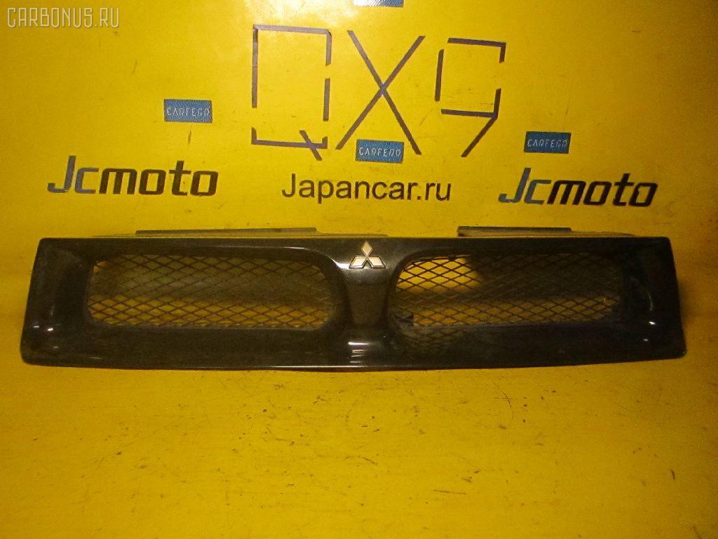 Решетка радиатора MITSUBISHI LEGNUM EC3W. Фото 1