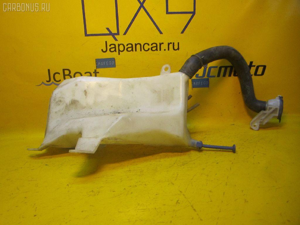 Бачок омывателя TOYOTA RAV4 SXA11G. Фото 8