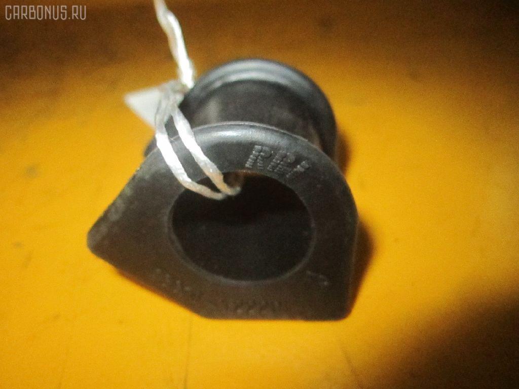 Втулка стабилизатора TOYOTA AE101 Фото 1